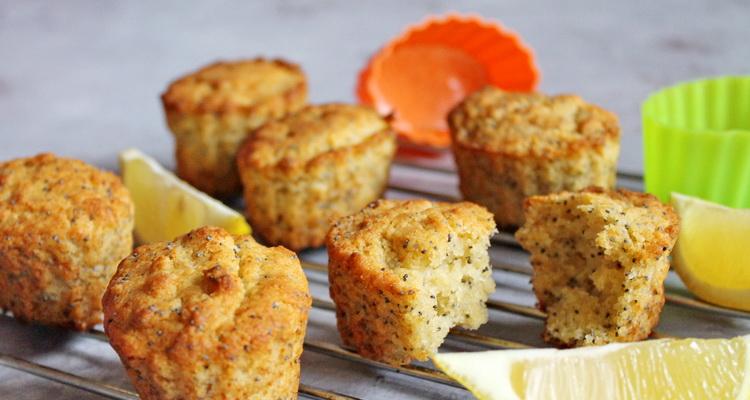 Gluténmentes citromos, mákos muffin